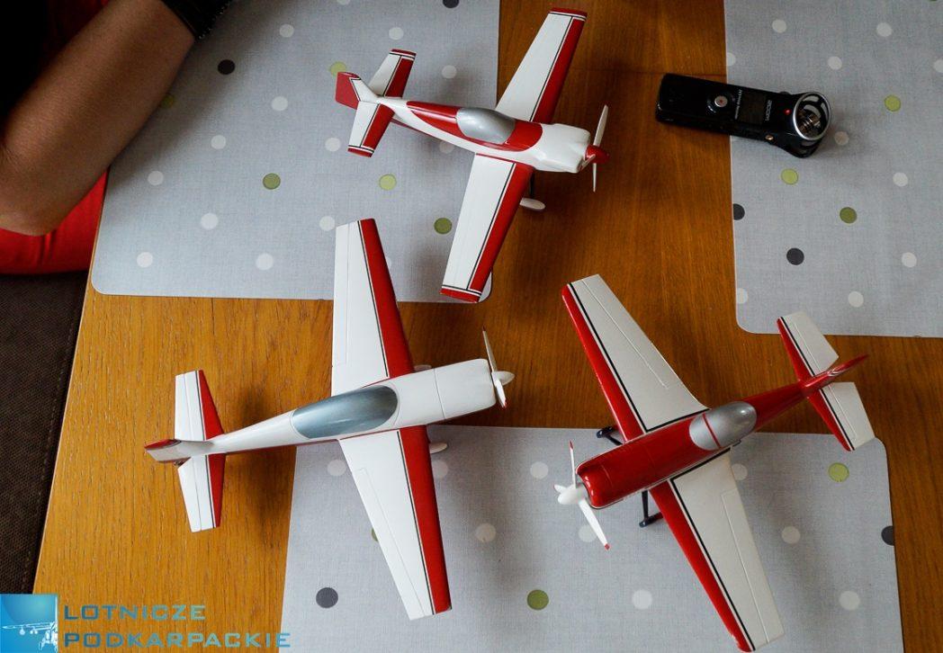 modele stół samoloty trzy