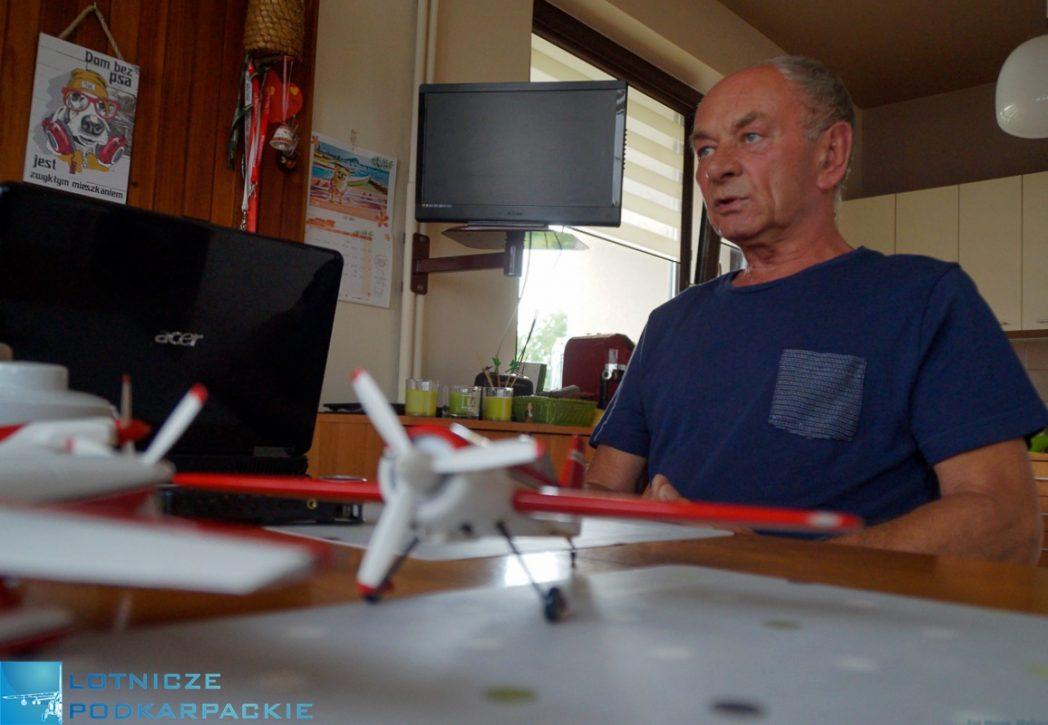 mężczyzna kuchnia rozmowa samoloty