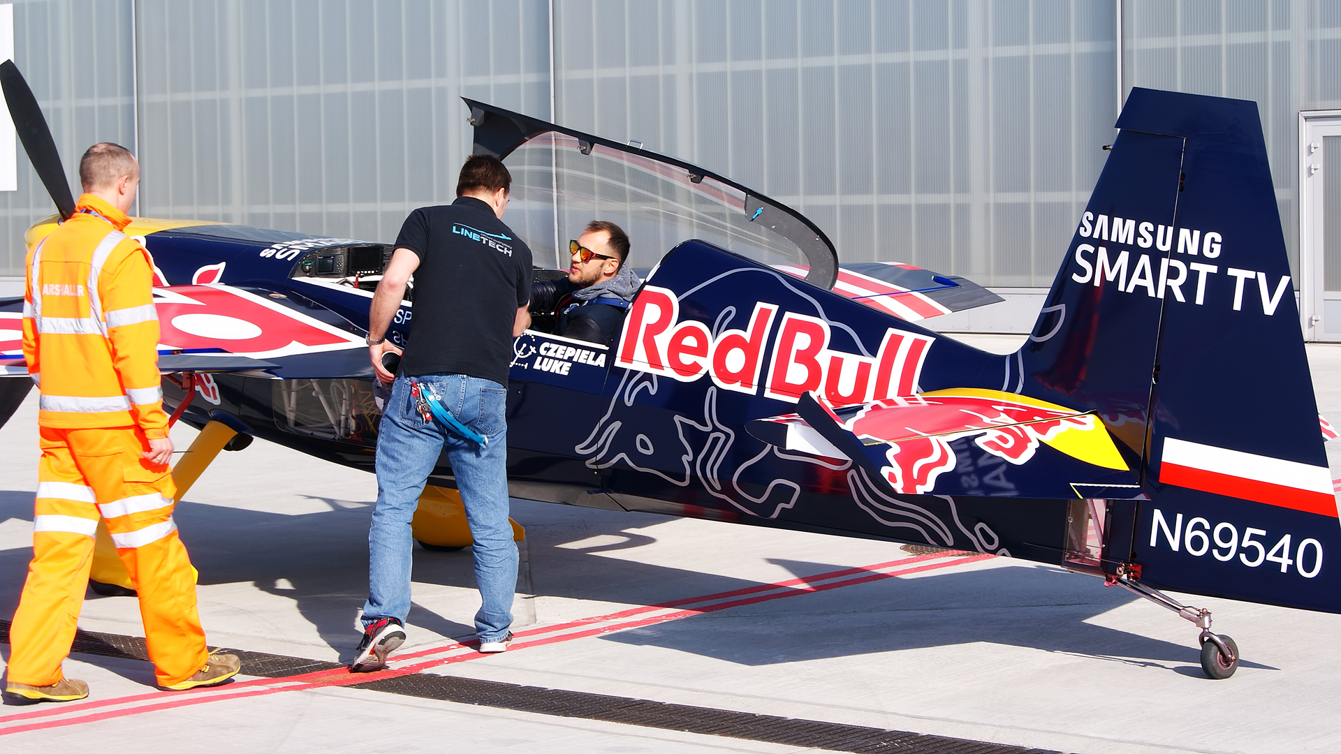 red bull pilot air race czepiela